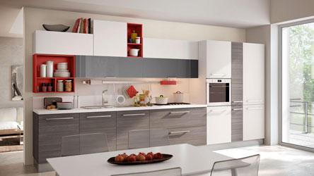 cucina swing con particolari in rosso